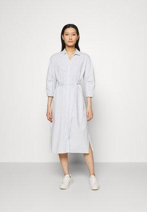 JASLEEN  - Košilové šaty - blue