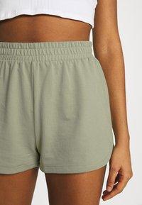Monki - Shorts - blue light/green - 5