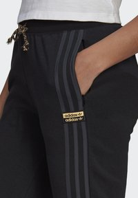 adidas Originals - Pantalon de survêtement - black - 3