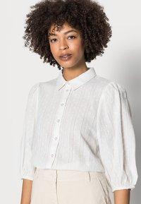 Kaffe - SUKI SHIRT - Button-down blouse - optical white - 4