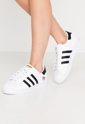 SUPERSTAR  - Sneaker low - footwear white/core black/gold metallic