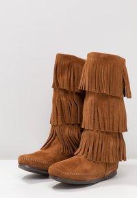 Minnetonka - 3 LAYER FRINGE - Cowboy/Biker boots - brown - 4