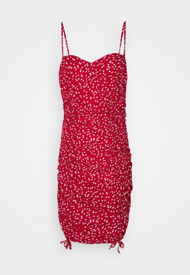 HEART PRINT RUCHED MINI DRESS - Tubino - red