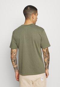 WAWWA - PAVILION UNISEX - Print T-shirt - khaki green - 2