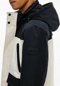 Calvin Klein - TECHNICAL - Light jacket - bleached stone - 3