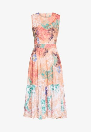 DRESS - Vestido informal - peach