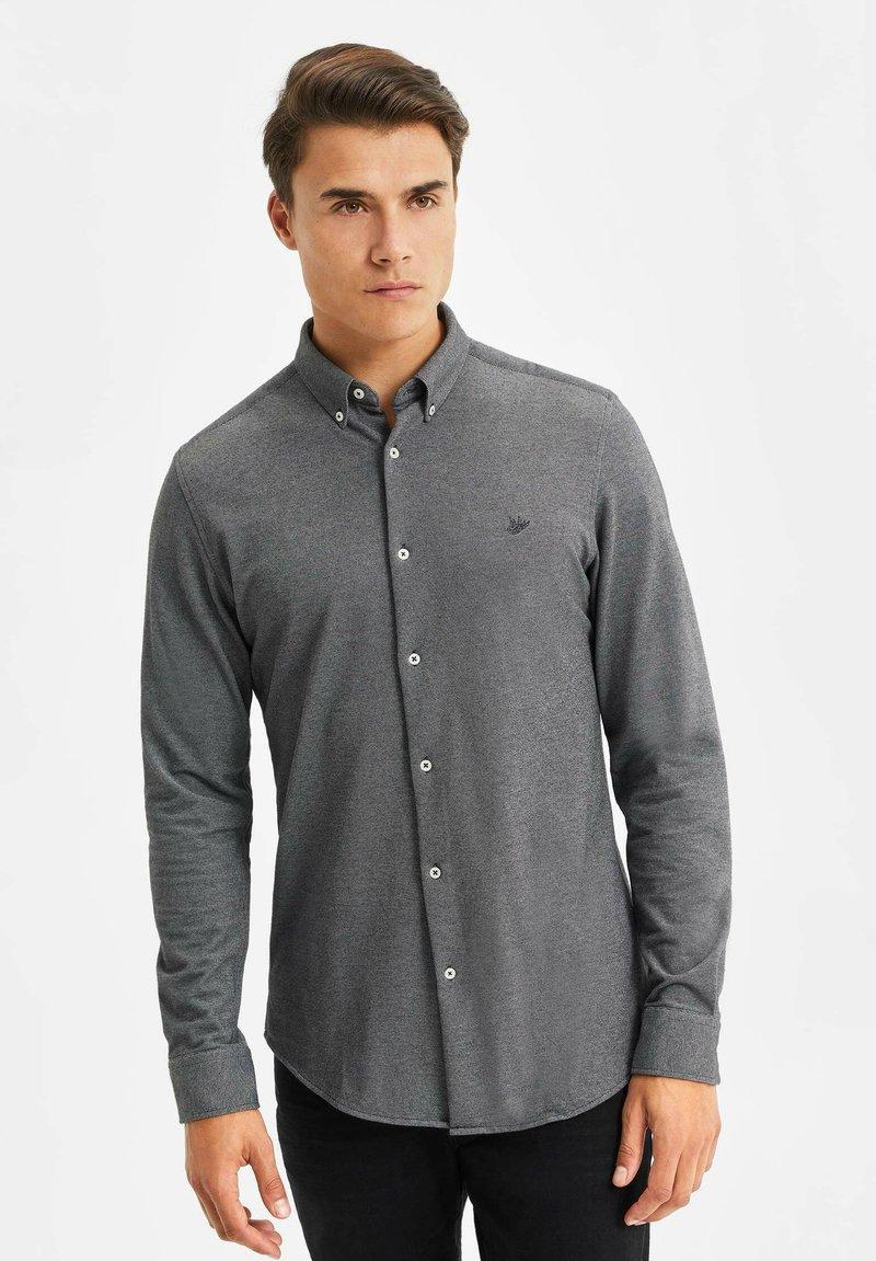 WE Fashion - SLIM FIT - Camicia - black