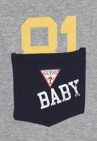 Guess - TAKE ME HOME BABY SET - Hoodie met rits - deck blue - 3
