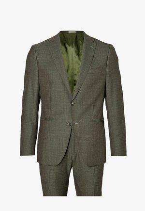 Suit - dark green