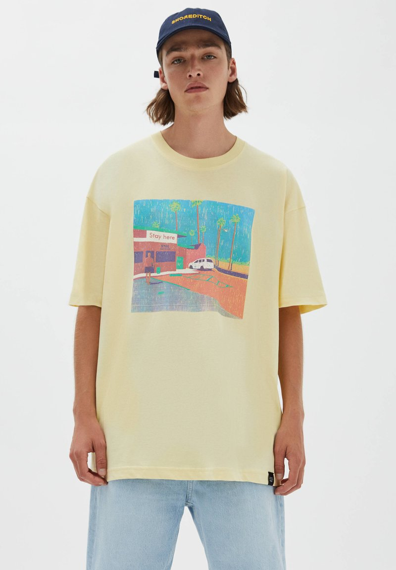 PULL&BEAR - Print T-shirt - light yellow