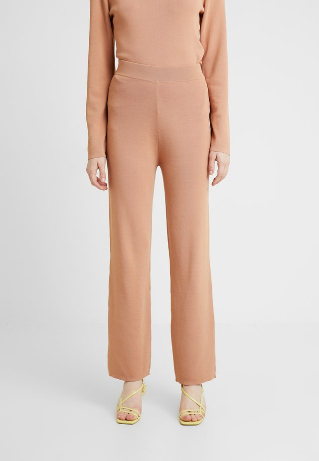 OLA PANTS - Trousers - camel