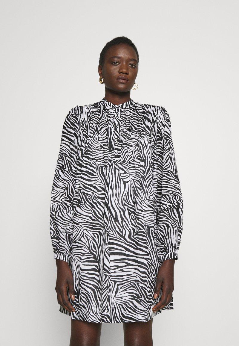 MICHAEL Michael Kors - LAWN ZEBRA MINI - Shirt dress - white/black