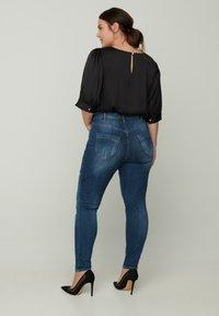 Zizzi - MIT SCHLITZDETAILS - Slim fit jeans - blue - 1