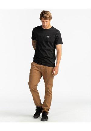 SURF REPORT  - Print T-shirt - black