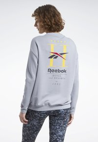 Reebok Classic - CLASSICS HOTEL CREW SWEATSHIRT - Sweatshirt - grey - 1