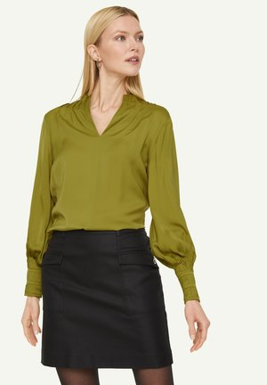 Long sleeved top - spring green