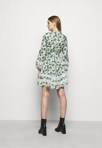 maje - ROMAN - Cocktail dress / Party dress - végétal écru vert - 2