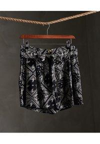 Superdry - DESERT PRINTED - Shorts - black aop - 0