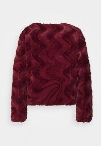 Vero Moda Petite - VMCURL SHORT JACKET - Winter jacket - cabernet - 1