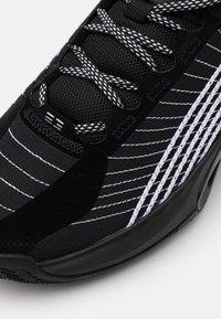 Jordan - JUMPMAN 2021 - Basketball shoes - black/metallic silver/black - 5