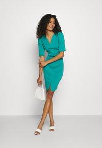 Closet - CLOSET V-NECK PLEATED SLEEVE DRESS - Jersey dress - turquoise - 1
