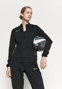 Nike Performance - ACADEMY SUIT - Treningsdress - black/green strike - 5