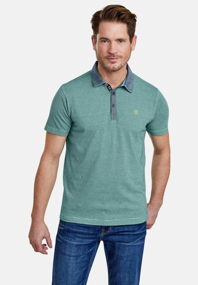 MIT FEINEN QUERSTREIFEN - Polo shirt - jade green