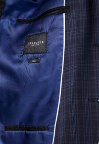Selected Homme - SLHSLIM MYLOLOGAN SUIT - Oblek - navy blue/grey - 7