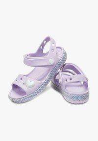 Crocs - Sandały kąpielowe - lila - 1