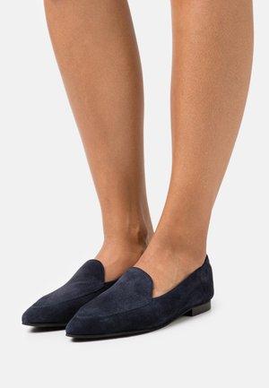 BIATRACY LOAFER - Slip-ons - navy blue