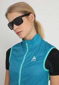Oakley - HOLBROOK XL - Sunglasses - prizm black polarized - 3