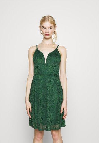CAMRYN STRAPPY SKATER DRESS - Sukienka koktajlowa - forest green