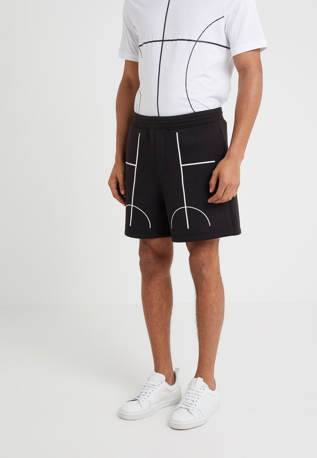 COURTLINES - Shorts - black