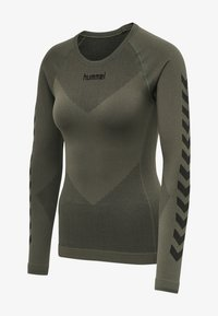 Hummel - FIRST SEAMLESS WOMAN - Long sleeved top - grape leaf - 5