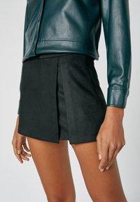 PULL&BEAR - A-line skirt - mottled black - 4