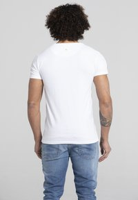 Liger - LIMITED TO 360 PIECES - LUCKY DUBZ - ORIGAMI - Print T-shirt - white - 2