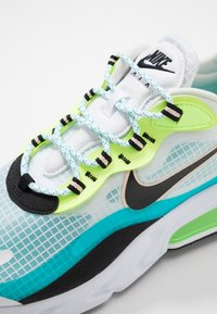 Nike Sportswear - AIR MAX 270 REACT SE - Sneakers - oracle aqua/black/ghost green/washed coral/white - 5