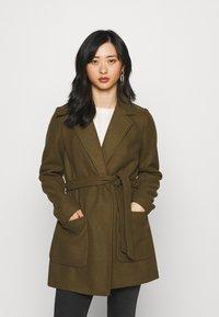 VILA PETITE - VICATTY BELTED COLLAR COAT - Classic coat - dark olive - 0