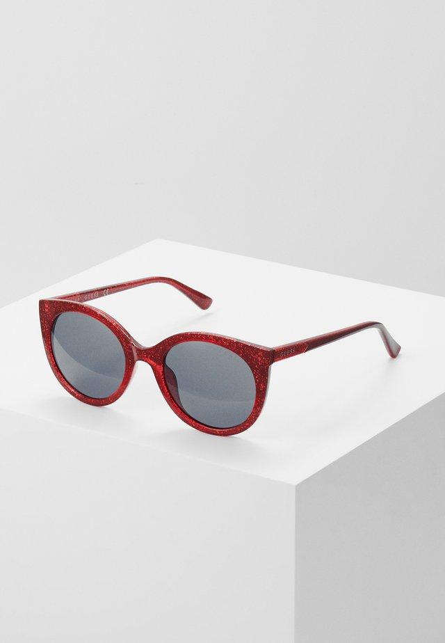 INJECTED - Occhiali da sole - red