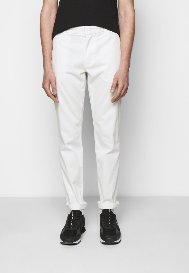 TROUSER - Chinos - white