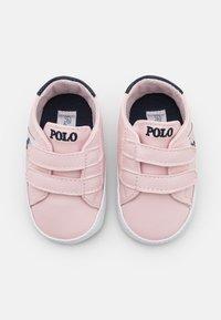 Polo Ralph Lauren - ORMOND LAYETTE - Chaussons pour bébé - light pink/white/navy - 3