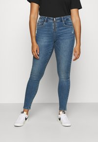 ONLY Carmakoma - CARSALLYLIFE - Jeans Skinny Fit - light blue denim - 0