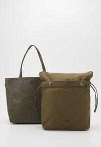 Desigual - BOLS COLORAMA NORWICH - Handbag - green - 3
