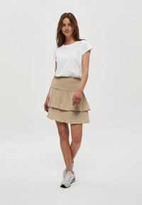 Minus - LETI - Basic T-shirt - white - 1