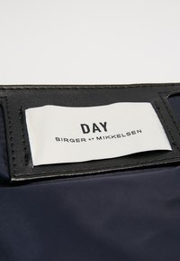 DAY Birger et Mikkelsen - DAY GWENETH - Shopper - navy blazer - 7