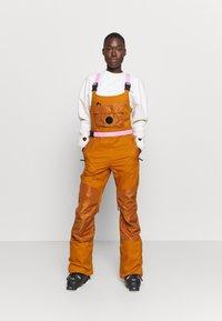 Burton - LAROSA BIB - Snow pants - true penny - 0