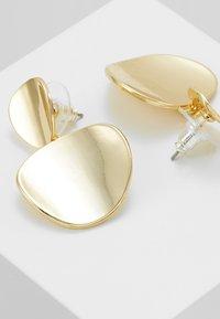 SNÖ of Sweden - AVERY PENDANT EAR  - Earrings - gold-coloured - 4