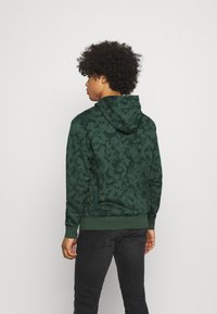 Nike Sportswear - CLUB HOODIE - Sweatshirt - galactic jade - 2