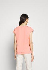 Ragwear - DIONE - Basic T-shirt - coral - 2