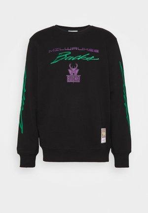 NBA MILWAUKEE BUCKS FLAMES RACING CREWNECK - Sweatshirt - black